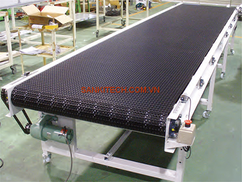 MODULAR BELT CONVEYOR FOR TRANSPORTING PLASTIC MOLDED PRODUCTS