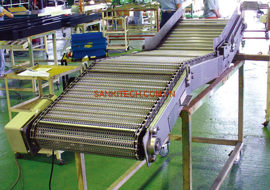 NET CONVEYOR FOR TRANSPORTING DIE-CASTING PRODUCTS