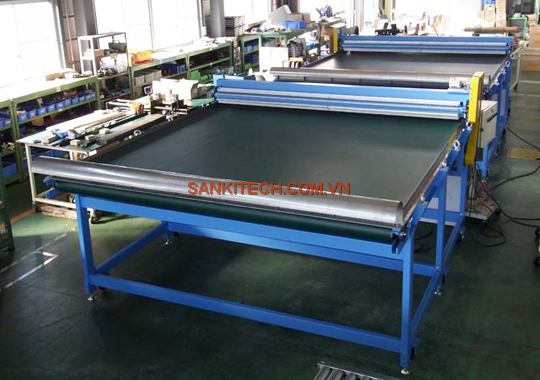WIDE BELT CONVEYOR FOR TRANSPORTING OF PAPER AND CULLET