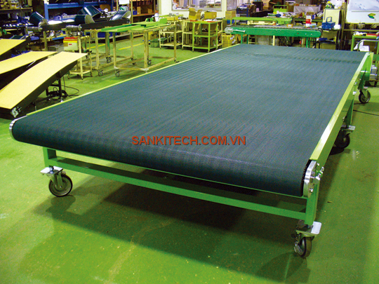WIDE PLUM BELT CONVEYOR